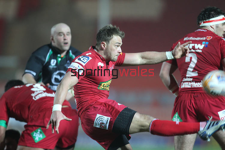 Liam Davies..RaboDirect Pro12.Scarlets v Connacht.02.03.12.©STEVE POPE
