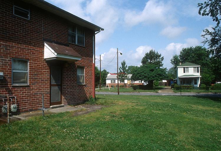 1992 June ..Assisted Housing..Bowling Green...CAPTION...NEG#.NRHA#..