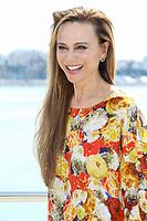 Lena Olin pose lors du photocall de RIVIERA pendant le MIPTV a Cannes, le lundi 3 avril 2017.