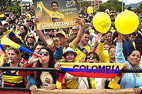 BOGOTA - COLOMBIA, 28-07-2019: Cientos de personas se reunieron en la plaza principal de Zipaquirá para celebrar la victoria de Egan Bernal en el Tour de Francia / Hundreds of people met in the Zipaquira´s principal square to celebrate the victori of Egan Bernal in the Tour of France. Photo: VizzorImage / Nicolas Aleman / Cont