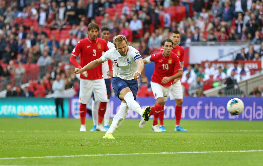 England's Harry Kane scores his side's fourth goal from the penalty spot<br /> <br /> Photographer Rob Newell/CameraSport<br /> <br /> UEFA European Championship Qualifying Group A - England v Bulgaria - Saturday 7th September 2019 - Wembley Stadium - London<br /> <br /> World Copyright © 2019 CameraSport. All rights reserved. 43 Linden Ave. Countesthorpe. Leicester. England. LE8 5PG - Tel: +44 (0) 116 277 4147 - admin@camerasport.com - www.camerasport.com