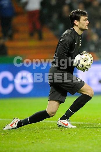BREMEN - Voetbal, Duitsland - Frankrijk, vriendschappelijke interland, Weser stadion, 29-02-2012,   Hugo Lloris