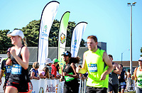 The 2017 Cigna Achilles Round The Bays half marathon, Bluebridge 10km and Fun Run & Walk. From Frank Kitts Park to Kilbirnie Park in Wellington, New Zealand on Sunday, 18 February 2018. Photo: Andrew Turner / lintottphoto.co.nz
