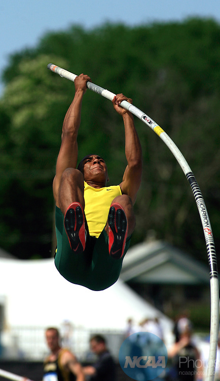 12 JUNE 2008: Oregon's Ashton Eaton clears 15 ft. 1 inch in the Decathlon pole vault Thursday at the NCAA Division 1 Men's and Women's Track & Field Championships in Des Moines, Iowa.  Eaton stood in 2nd place after 9 events, with just the 1500 meters left to run.  David Peterson/NCAA Photos