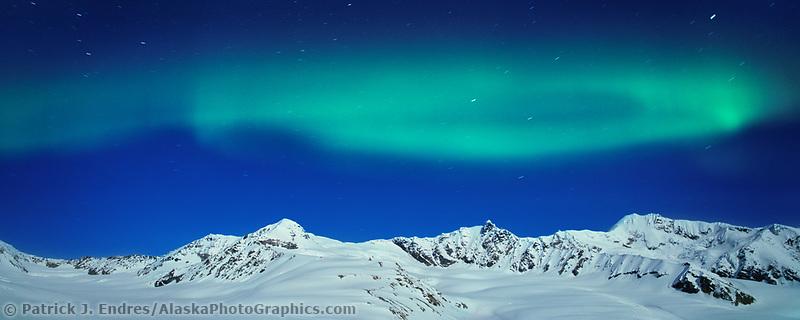 Aurora borealis over the Alaska range, Canwell glacier, Alaska