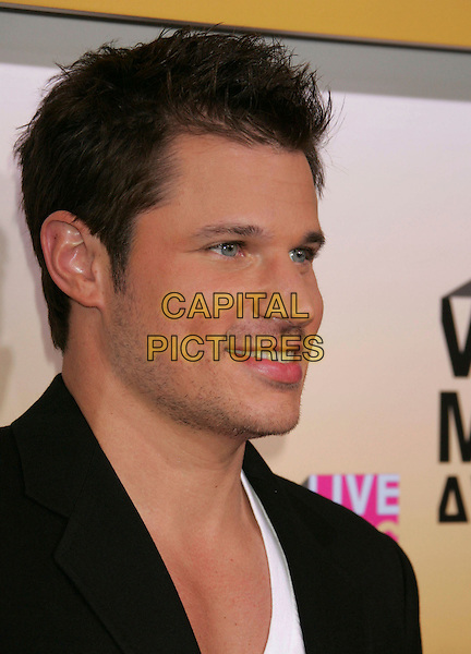NICK LACHEY.Arrivals - 2006 MTV Video Music Awards held at Radio City Music Hall, New York City, New York, USA,.31st August 2006..portrait headshot.Ref: ADM/RE.www.capitalpictures.com.sales@capitalpictures.com.©Russ Elliot/AdMedia/Capital Pictures.