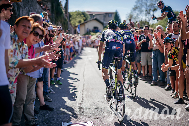 teammates Ruben Plaza (ESP/Orica-Scott) &amp; Carlos Verona (ESP/ORICA-Scott) up the final steep climb towards the Citt&agrave; Alta in Bergamo<br /> <br /> Stage 15: Valdengo &rsaquo; Bergamo (199km)<br /> 100th Giro d'Italia 2017