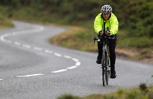 10 JUN 2011 - BRANSGORE, GBR - Monique Hollinshead - Deca Enduroman - Enduroman Ultra Triathlon Championships .(PHOTO (C) NIGEL FARROW)