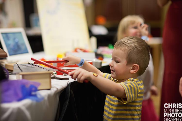 02/12/12 - Kalamazoo, MI: Kalamazoo Baby & Family Expo.  Photo by Chris McGuire.  R#33