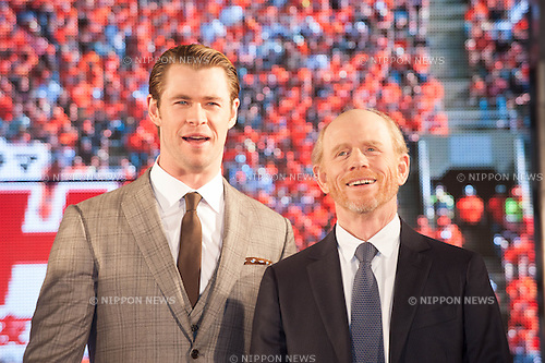 January 30, 2014 : Tokyo, Japan - Chris Hemsworth and Ron Howard appear at the Japan Premiere for RUSH by Ron Howard in the Yurakucho Marion, Tokyo, Japan. (Photo by Yumeto Yamazaki/NipponNews)