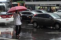 SAO PAULO, 14 DE MAIO DO 2012 - CLIMA TEMPO SP - Manha de de tempo frio e chuvoso na capital, regiao da Avenida Paulista. Ha probabilidade de chuva durante todo o dia e a maxima nao deve passar dos 19 graus. FOTO: ALEXANDRE MOREIRA - BRAZIL PHOTO PRESS