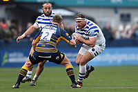 Henry Thomas of Bath Rugby in possession. Gallagher Premiership match, between Worcester Warriors and Bath Rugby on January 5, 2019 at Sixways Stadium in Worcester, England. Photo by: Patrick Khachfe / Onside Images