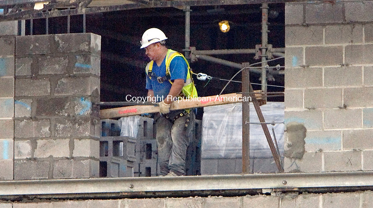 TORRINGTON CT. 25 August 2015-082515SV04-Workers continue to add block to the walls of the new court house in Torrington Tuesday.<br /> Steven Valenti Republican-American