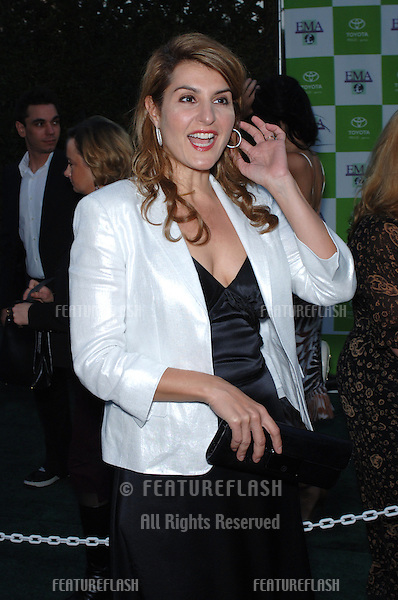 Actress NIA VARDALOS at the 15th Annual Environmental Media Awards in Los Angeles..October 19, 2005 Los Angeles, CA..© 2005 Paul Smith / Featureflash