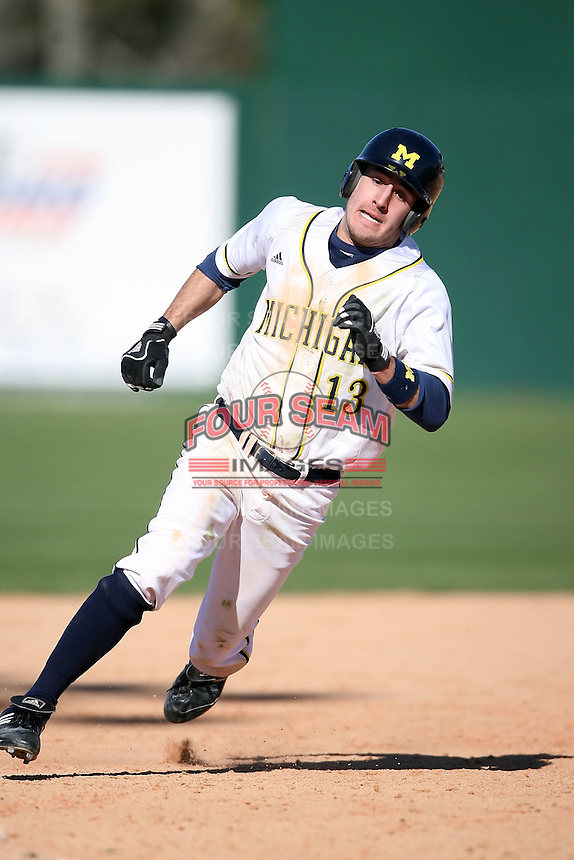 February 20, 2009:  Outfielder Kenny Fellows (19) of the University of Michigan during the Big East-Big Ten Challenge at Jack Russell Stadium in Clearwater, FL.  Photo by:  Mike Janes/Four Seam Images
