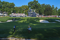 Danny Willett (GBR) chips on to 10 during 1st round of the 100th PGA Championship at Bellerive Country Club, St. Louis, Missouri. 8/9/2018.<br /> Picture: Golffile | Ken Murray<br /> <br /> All photo usage must carry mandatory copyright credit (© Golffile | Ken Murray)
