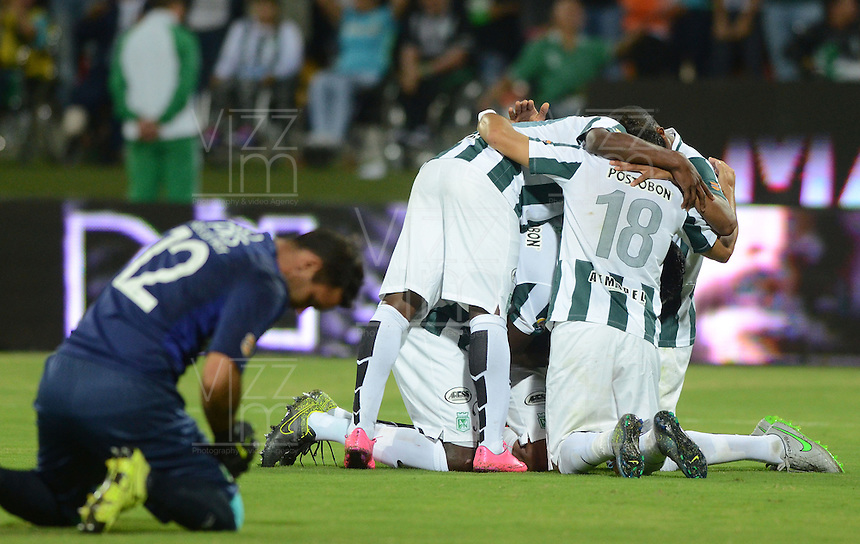 MEDELLÍN -COLOMBIA-27-01-2016. Jugadores de Atlético Nacional celebran el título de la Super Liga Aguila 2016 después de derrotar a Deportivo Cali en partido de vuelta jugado en el estadio Atanasio Girardot de la ciudad de Medellín./ Players of Atletico Nacional celebrate the tittle as Champions Aguila Super League 2016 after defeated to Deortivo cali in the second leg match played at Atanasio Girardot stadium in Medellin city. Photo: VizzorImage/ Leon Monsalve / Str