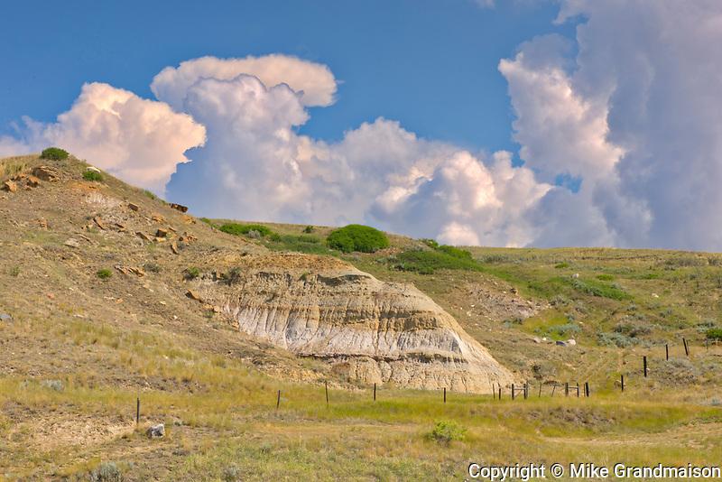 Badlands along the South Saskatchewan River off Hwy 41<br />Near Empress<br />Alberta<br />Canada