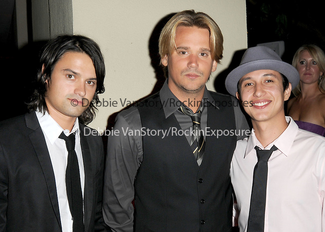 Sean Stewart & friends at The 5th annual Pink Party celebration to Benefit Cedars-Sinai Women's Cancer Research Institute at the Samuel Oschin Comprehensive Cancer Institute, event held at La Cachette Bistro in Santa Monica, California on September 12,2009                                                                   Copyright 2009 DVS / RockinExposures