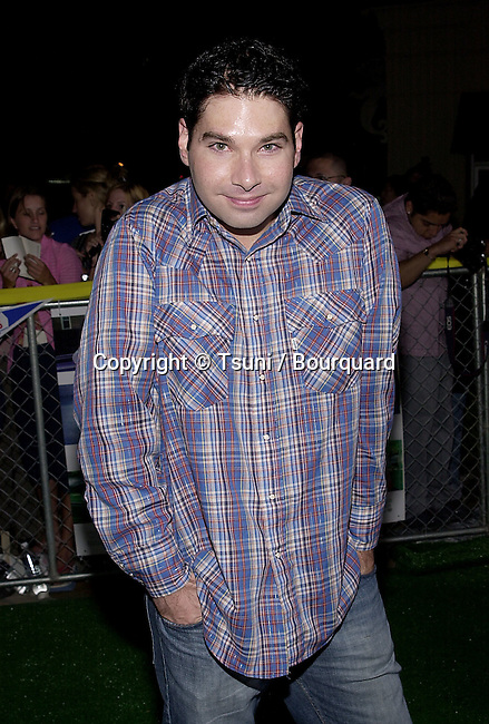 Joel Michaely arriving at the premiere of Summer Catch at the Mann Village Theatre in Los Angeles. August 22, 2001. © Tsuni          -            MichaelyJoel04.jpg