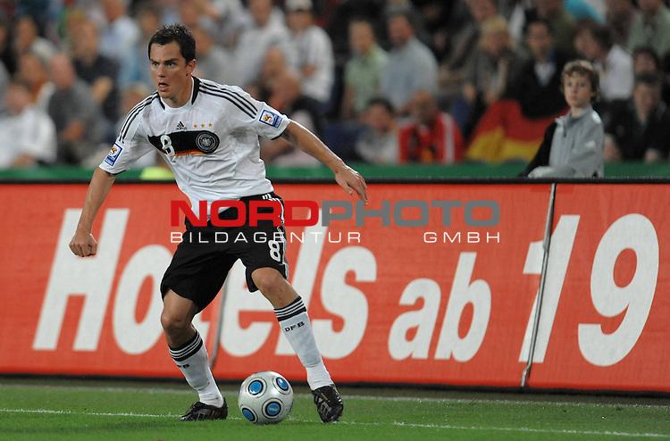 Fussball, L&auml;nderspiel, WM 2010 Qualifikation Gruppe 4 in D&uuml;sseldorf<br />  Deutschland (GER) vs. Aserbaidschan ( AZE )<br /> <br /> <br /> Cacau ( GER / Stuttgart #09 )<br /> <br /> Foto &copy; nph (  nordphoto  )<br />  *** Local Caption *** <br /> <br /> Fotos sind ohne vorherigen schriftliche Zustimmung ausschliesslich f&uuml;r redaktionelle Publikationszwecke zu verwenden.<br /> Auf Anfrage in hoeherer Qualitaet/Aufloesung