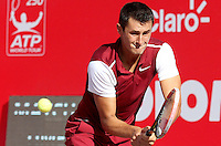 BOGOTA- COLOMBIA 25-07-2015: Bernard Tomic de Australia, devuelve la bola a Michael Berrer de Alemania, durante partido del ATP Claro Open Colombia de Tenis en las canchas del Centro de Alto rendimiento en Altura en la ciudad de Bogota. / Bernard Tomic of Australia returns the ball to Michael Berrer of  Germany during a match to the ATP Claro Open Colombia of Tennis in the courts of the High Performance Center in Altura in Bogota City. Photo: VizzorImage  / Cont.
