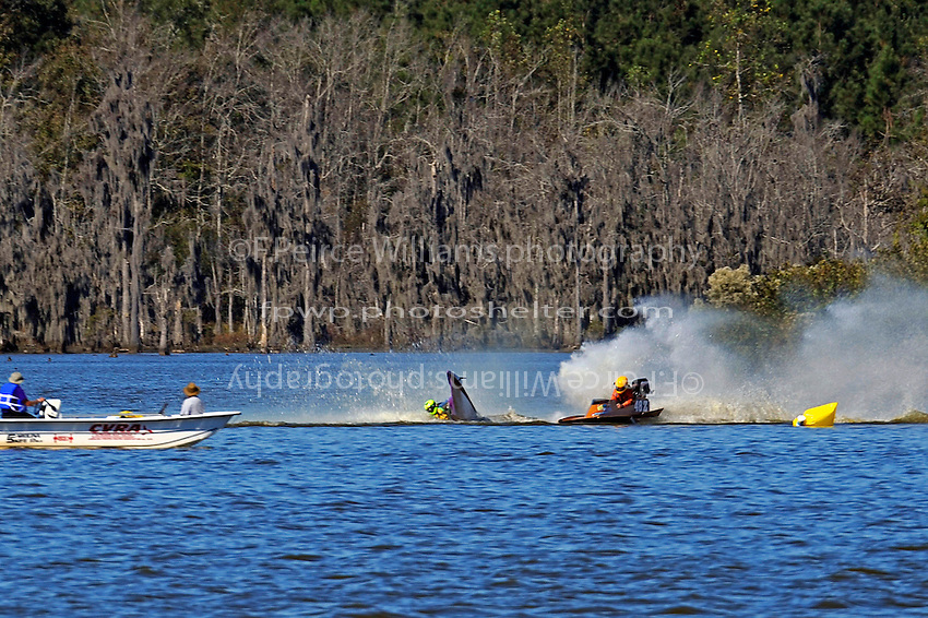 Frame 6: Erin Pittman, 6-H spins to stop in turn one, dumping her out.   (outboard hydroplane)
