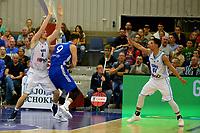 LEEK - Basketbal, Donar - Istanbul BBSK, Europe Cup, seizoen 2018-2019, 17-10-2018,  Donar speler Thomas Koenes verdedigt tegen Istanbul BBSK speler Semith Erden