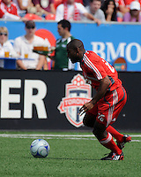 Marvell Wynne(16) carries the ball. Toronto FC 0, Kansas City Wizards 0, BMO Field, Toronto, June 21, 2008.