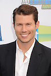 SANTA MONICA, CA - AUGUST 19: Jason Dundas arrives at the 2012 Do Something Awards at Barker Hangar on August 19, 2012 in Santa Monica, California. /NortePhoto.com....**CREDITO*OBLIGATORIO** ..*No*Venta*A*Terceros*..*No*Sale*So*third*..*** No Se Permite Hacer Archivo**