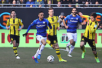 Sidney Sam (SV Darmstadt 98) gegen Marco Reus (Borussia Dortmund) und Julian Weigl (Borussia Dortmund)- 11.02.2017: SV Darmstadt 98 vs. Borussia Dortmund, Johnny Heimes Stadion am Boellenfalltor