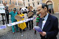 Roma, 17 febbraio 2011 Manifestazione  Robin Hood tax 005. Tiro alla fune in piazza Montecitorio tra speculatori e società civile. Global day of action for financial transaction tax....