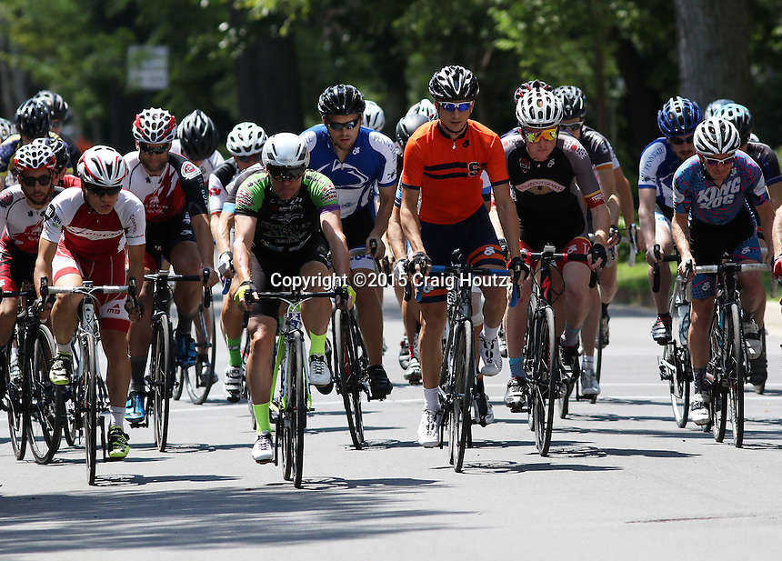 The Men's 4 & 5 class criterium at the Nittany Stage Race on Aug. 2, 2015. Photo/© 2015 Craig Houtz