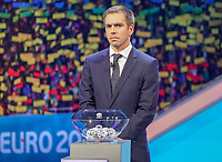 Philipp Lahm bei der Auslosung an Topf 3 - 30.11.2019: UEFA EURO2020 Auslosung, Romexpo Bukarest, DISCLAIMER: UEFA regulations prohibit any use of photographs as image sequences and/or quasi-video.