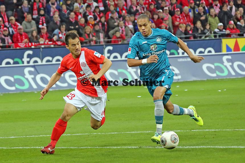Shinji Okazaki (Mainz) gegen Bamba Anderson (Eintracht) - 1. FSV Mainz 05 vs. Eintracht Frankfurt, Coface Arena, 12. Spieltag