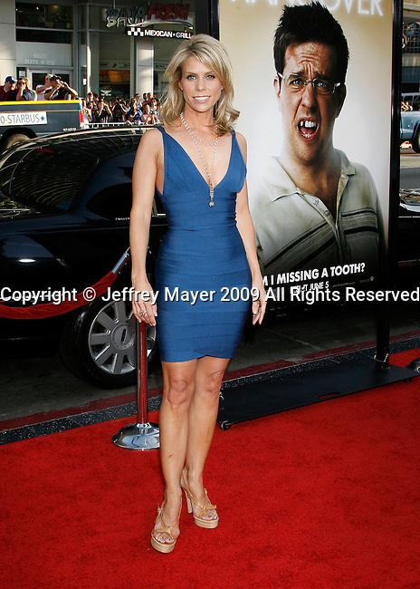 "HOLLYWOOD, CA. - June 02: Actress Cheryl Hines arrives at the Los Angeles premiere of ""The Hangover"" at Grauman's Chinese Theatre on June 2, 2009 in Hollywood, California."