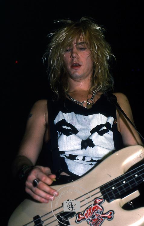 Guns-N-Roses-425.jpg