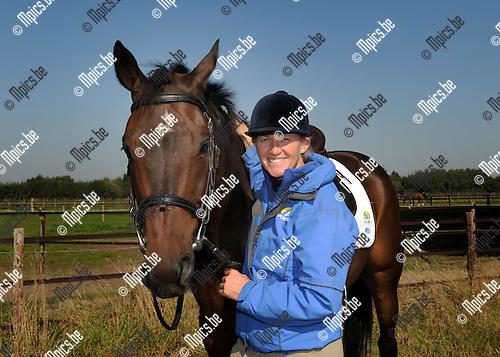 2013-10-01 / Paardensport / seizoen 2013-2014 / Karin Donckers<br /><br />Foto: Mpics.be