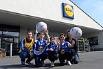 Coach Connor Slattery, Maeve Slattery, Ciara Slattery, Sarah Casey and Lidl Store Manager Susan Hickson pictured at Lidl in Dingle, County Kerry for the prize handover for Lidl's LGFA Club Competition. The club was recently announced as winners of the competition which called on customers to nominate their local club to win a set of jerseys and equipment for their club. Annascaul girls football team was one of 154 lucky clubs across the country winning a total of €250,000 worth of jerseys and equipment raised from the sale of promotional packs of Lidl's Carrick Glen 6 pack of water. 10c from every purchase was donated toward the jersey and equipment fund which ran across all stores earlier this year.<br />