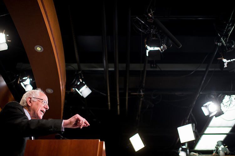 "UNITED STATES - MAY 6: Sen. Bernie Sanders, I-Vt., holds a news conference with Rep. Brad Sherman, D-Calif., to unveil legislation to ""break up the nation's biggest banks"" on Wednesday, May 6, 2015. (Photo By Bill Clark/CQ Roll Call)"