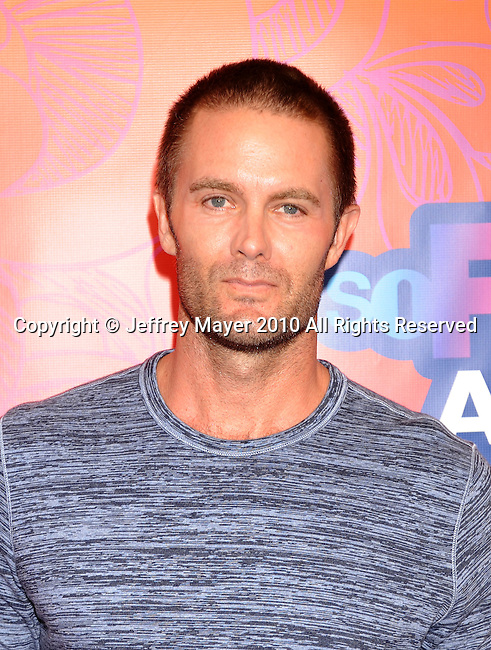 SANTA MONICA, CA. - August 02: Garret Dillahunt arrives at the FOX 2010 Summer TCA All-Star Party at Pacific Park - Santa Monica Pier on August 2, 2010 in Santa Monica, California.