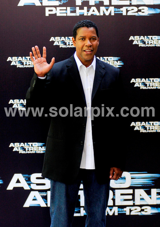 "**ALL-ROUND PICTURES FROM SOLARPIX.COM**.**WORLDWIDE SYNDICATION RIGHTS -  NO SYNDICATION IN SPAIN**.Denzel Washinton in Madrid to promote the film ""Taking of Pelham 123"".This pic:   Denzel Washington.JOB REF:   9522   SKX      DATE:  17.07.09.**MUST CREDIT SOLARPIX.COM OR DOUBLE FEE WILL BE CHARGED**.**NOTIFICATION OF ONLINE USAGE TO PHOTO @ SOLARPIX.COM**.**CALL SOLARPIX : +34 952 811 768 or LOW RATE FROM UK 0844 617 7637**"