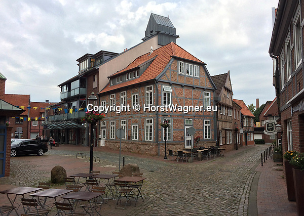 Germany, Buxtehude -- August 26, 2017 -- Historic and modern buildings in the centre of the town, e.g. old latin school, now used by St. Petri-Church -- © HorstWagner.eu