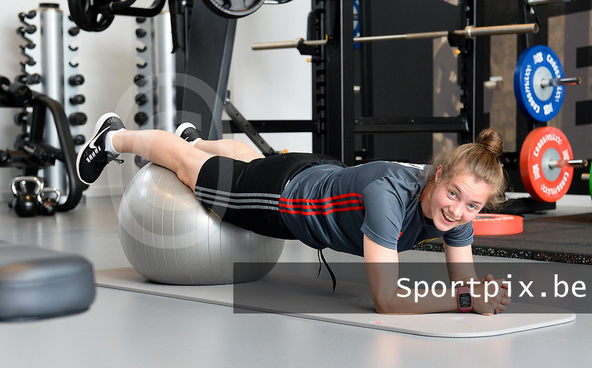 20170608 – TUBIZE , BELGIUM : illustration picture shows a part of the red flames team with Diede Lemey during a fitness and physical session at the fitnessroom of the Belgian national women's soccer team Red Flames trainingscamp to prepare for the Women's Euro 2017 in the Netherlands, on Thursday 8 June 2017 in Tubize.  PHOTO SPORTPIX.BE | DAVID CATRY