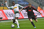 06.10.2019, Borussia-Park - Stadion, Moenchengladbach, GER, DFL, 1. BL, Borussia Moenchengladbach vs. FC Augsburg, DFL regulations prohibit any use of photographs as image sequences and/or quasi-video<br /> <br /> im Bild v. li. im Zweikampf Denis Zakaria (#8, Borussia Moenchengladbach) Andre Hahn (#28, FC Augsburg) <br /> <br /> Foto © nordphoto/Mauelshagen
