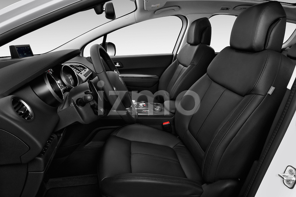 Front seat view of a 2012 - 2014 Peugeot 3008 Hybrid4 SUV.