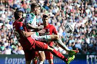 GRONINGEN - Voetbal, FC Groningen - FC Twente,  Eredivisie , Noordlease stadion, seizoen 2017-2018, 24-09-2017,   FC Groningen speler Lars Veldwijk  met FC Twente speler Peet Bijen