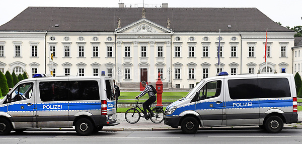 Police vehicles in front of the Bellevue Palace in Berlin, Germany, 5 July 2017. The Chinese president Xi Jinping is visiting Berlin ahead of the G20 summit in Hamburg (7-8 July 2017). Photo: Ralf Hirschberger/dpa-Zentralbild/dpa /MediaPunch ***FOR USA ONLY***