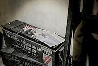Roma, 24 Marzo 2016.<br /> Casse di bombe a mano e giornali d'epoca.<br /> Apre al pubblico il bunker dei Savoia.<br /> Il rifugio antiaereo dei Savoia fu costruito nel parco di Villa Ada nel 1940-42. Di forma circolare e a circa 200 m. di profondità, era accessibile alle auto e dotato di un efficace sistema di impianto di aerazione e filtraggio, azionabile anche in assenza di energia elettrica.<br /> <br /> Rome, March 24, 2016 .<br /> Crates of hand grenades and old newspapers.<br /> Opening to the public the Savoy bunker.<br /> The air-raid shelter of the Savoy was built in the park of Villa Ada in 1940-42 . Circular in shape and about 200 m . depth , was accessible to cars and equipped with an effective ventilation system and filtering system , also operable in the absence of electricity .