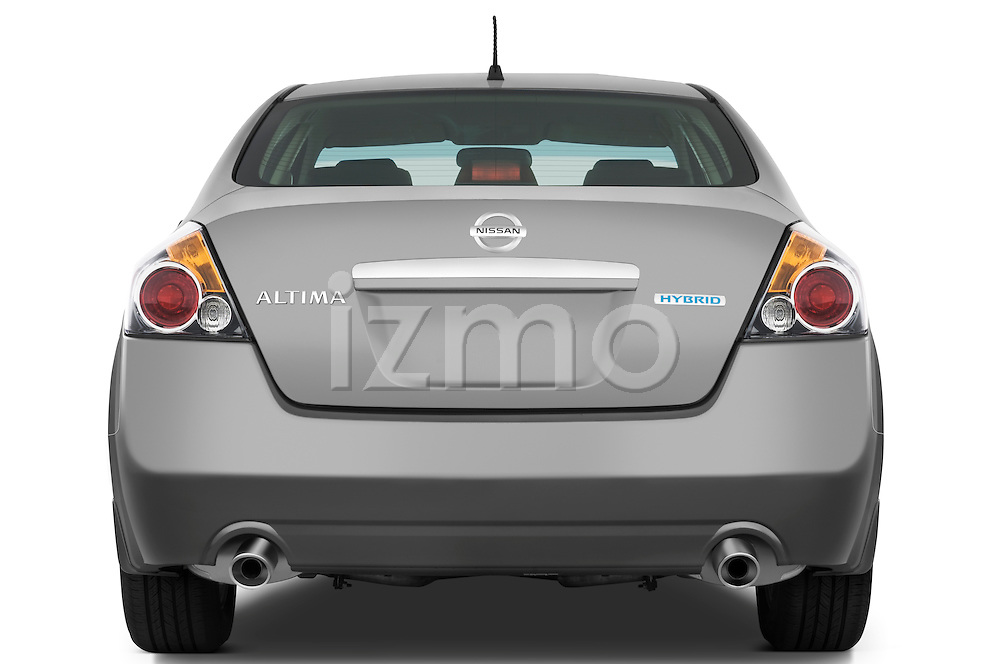 Straight rear view of a 2009 Nissan Altima Hybrid